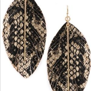 Jewelry - NEW! Black and Gold Feather Earrings